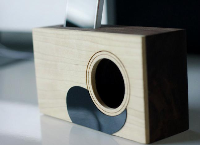 Palmer-Acoustic-iPhone-Dock-2
