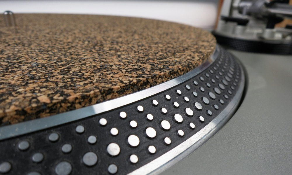 7-best-turntable-mats
