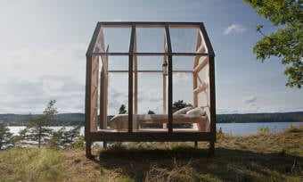 A-Few-Lucky-People-Will-Get-to-Connect-With-Nature-in-a-Glass-Cabin