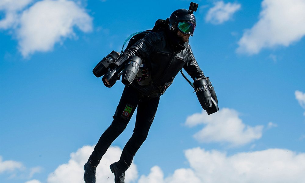 Rack-Up-Frequent-Flyer-Miles-with-the-Gravity-Jet-Suit-2