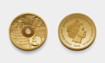 Coin-Contains-a-Drop-of-the-Oldest-Whisky-in-the-World-1