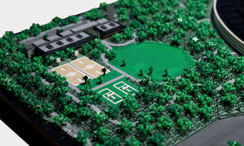 This-LEGO-Apple-Campus-Took-Two-Years-to-Build-6