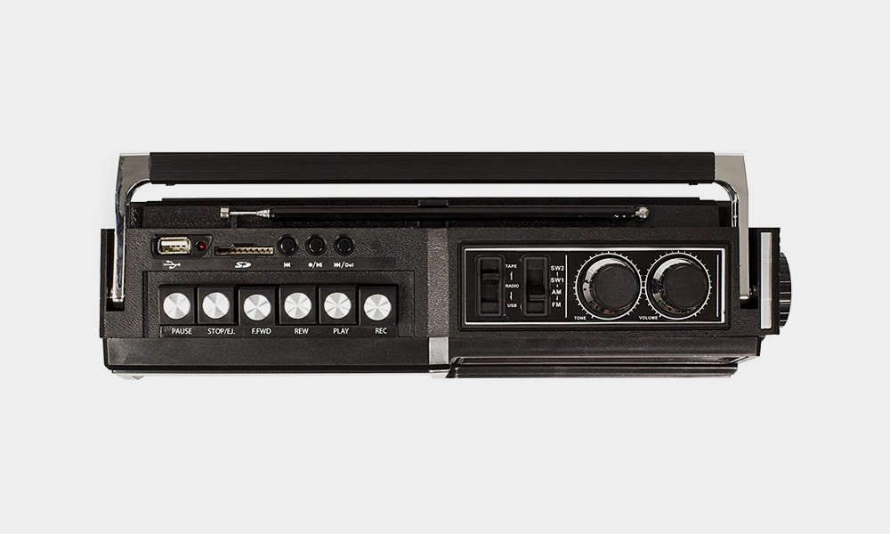 Crosley-Made-a-Retro-Tape-Deck-With-Modern-Features-5