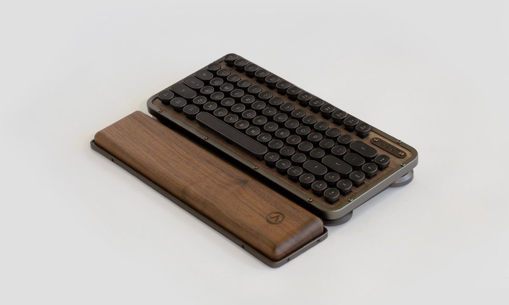 Azio-Retro-Compact-Keyboard-5