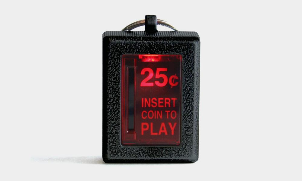 RepliCade-Insert-Coin-Arcade-Keychain-1