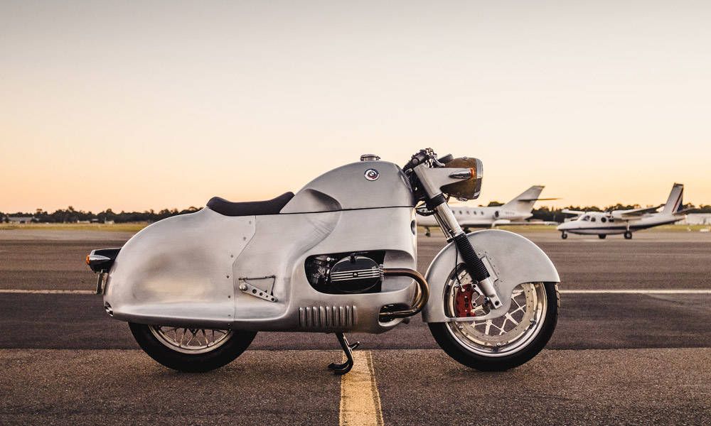 BMW-R100-RS-is-a-Nod-to-the-Automotive-Past-1