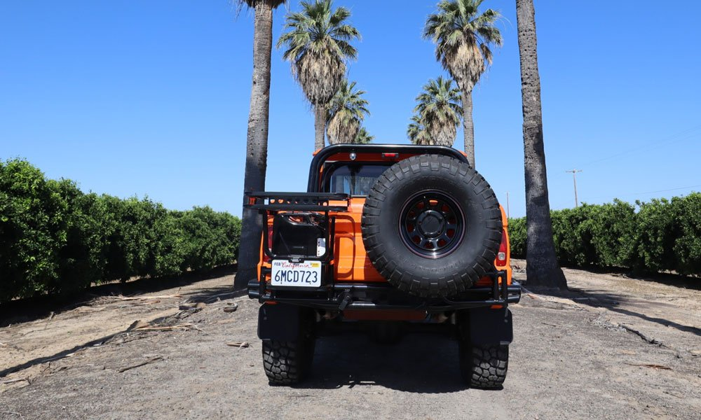 This-1969-Modified-Ford-Bronco-Is-Ready-for-the-Beach-6