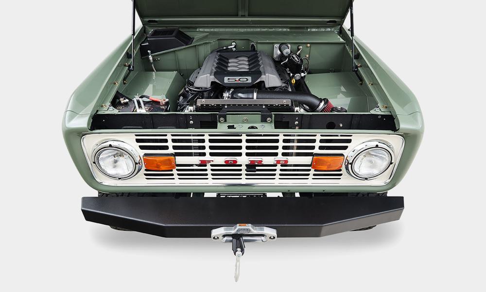 1973-Classic-Ford-Broncos-Alta-Build-10
