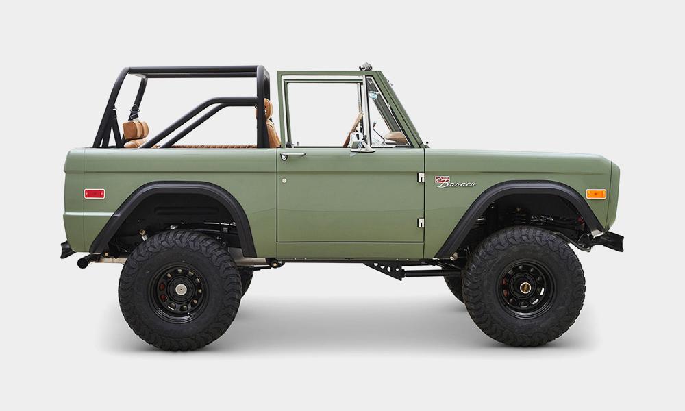 1973-Classic-Ford-Broncos-Alta-Build-3