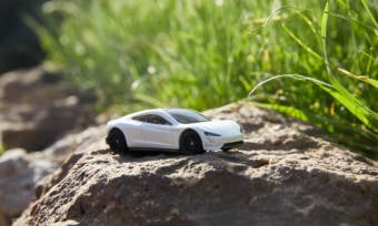 Matchbox-CarbonNeutral-Tesla-Roadster-2